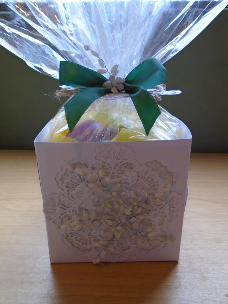 Sue wilson wellington die easter egg gift box 55 copy negle Gallery